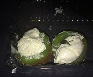 kiwi and whip cream image