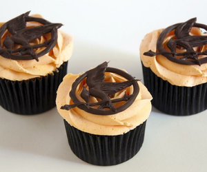 cupcake, food, and the hunger games image