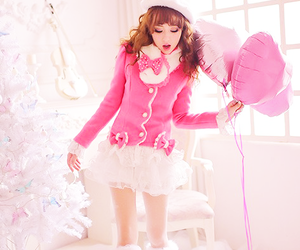 balloons, japanese fashion, and lace image