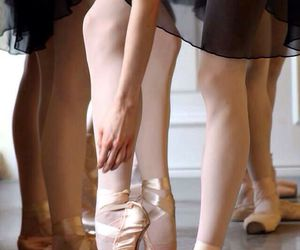 ballerina, toe shoes, and ballet image