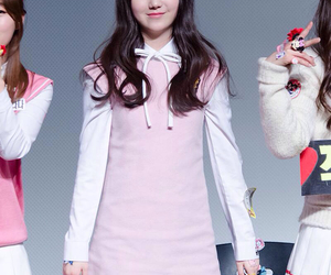 Kei, lovelyž, and kim jiyeon image