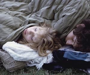 sleep and カップル image