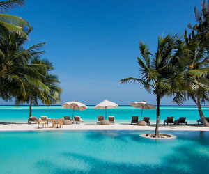 beach, deluxe, and Maldives image