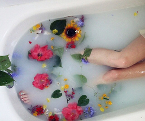 flowers, bath, and grunge image