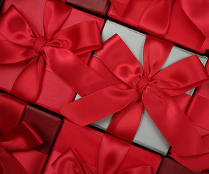 gift, red, and bow image