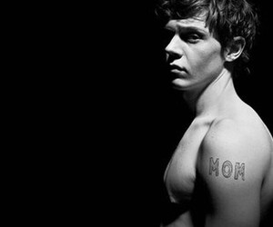 evan peters, american horror story, and mom image