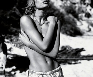 model, black and white, and Doutzen Kroes image