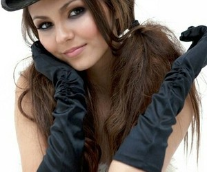 girl and victoria justice image