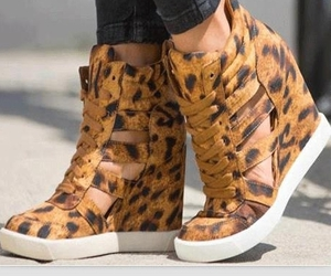 comfortable, fashion, and leopard image
