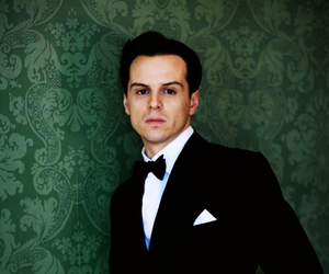 andrew scott and moriarty image