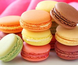 food, macaroons, and macarons image