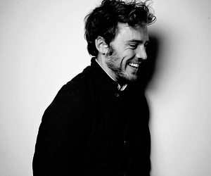 sam claflin and smile image
