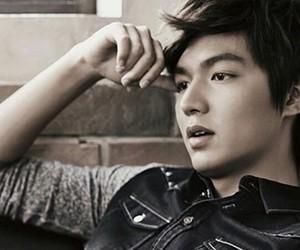 lee min ho and korea image