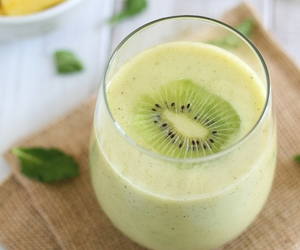 fruit, kiwi, and smoothie image