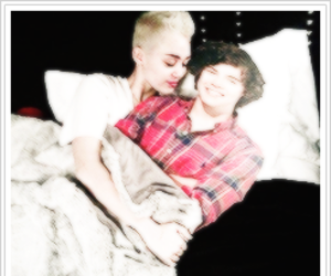 miley cyrus, Harry Styles, and one direction image