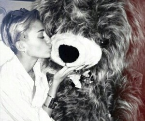 miley cyrus, bear, and miley image