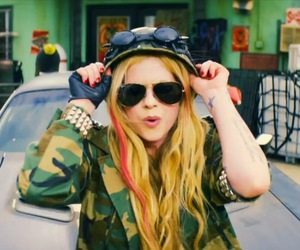 Avril Lavigne, fly, and rock image