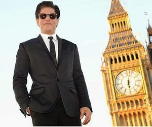 shahrukh khan, for fans, and video tweets image
