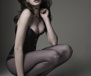 Anne Hathaway, brunette, and gq image