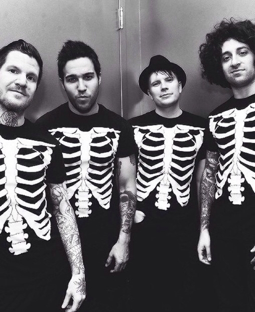 142 images about fall out boy on we heart it see more about fall out boy patrick stump and fob