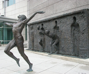 freedom and sculpture image