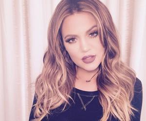 khloe kardashian, makeup, and kardashian image