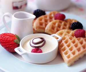 beauty, love, and breakfast image