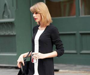 Taylor Swift and walk image
