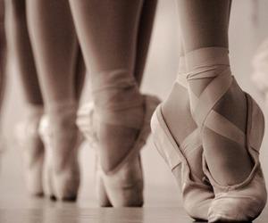 bailarina, ballet, and puntas image