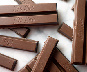 chocolate, food, and kit kat image
