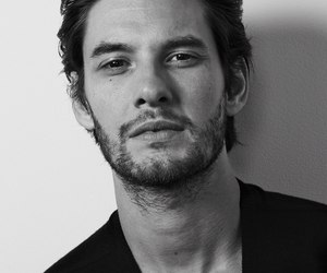 actor, lovely, and benbarnes image