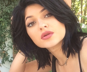 black hair, mac lipstick, and kendall jenner image