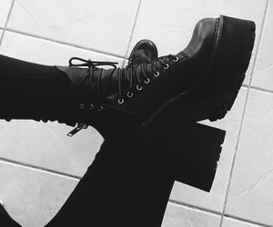 black and unif image