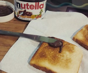 bread and nutella image