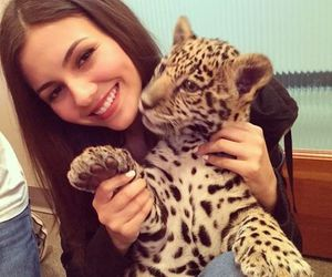 girl, victoria justice, and cute image