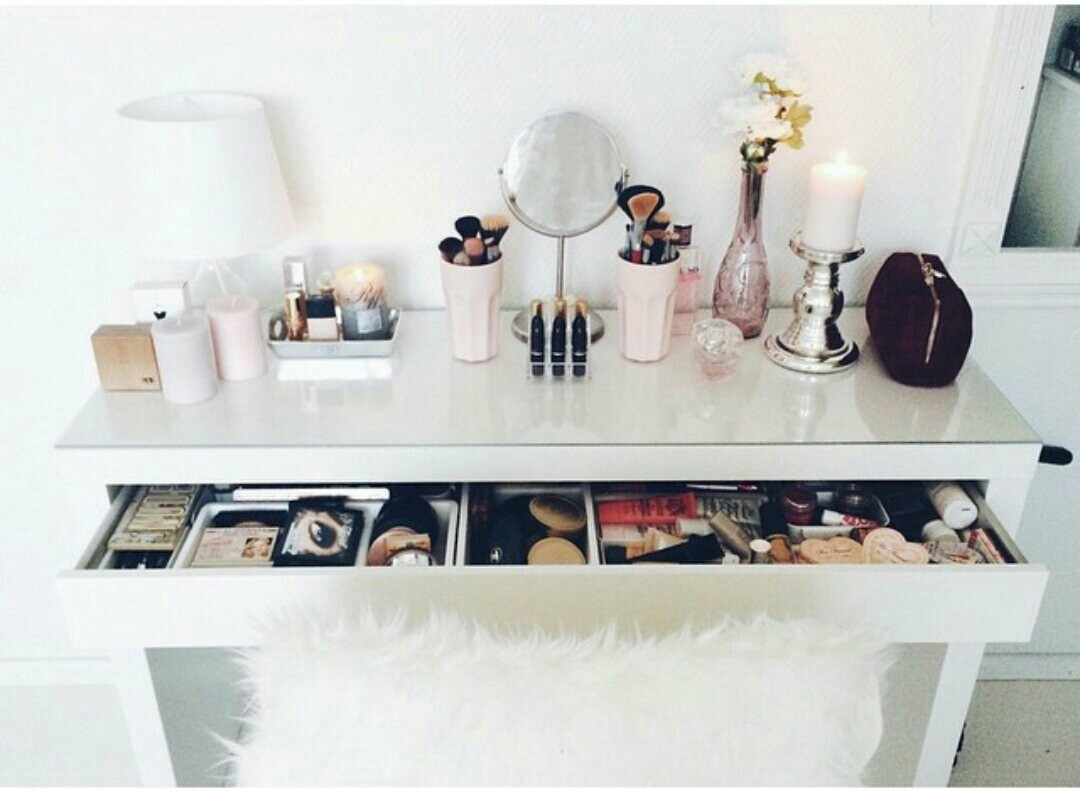 makeup, room, and girly image