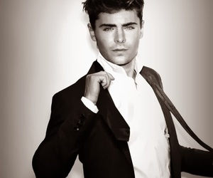 body, zac efron, and Hot image