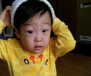 twin, seojun, and seoeon image