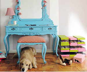 beauty, cachorro, and dressing table image