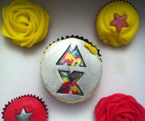 Chris Martin, cupcake, and coldplay image