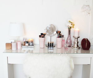 makeup, bedroom, and inspiration image