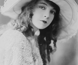 actress, old hollywood, and ringlets image