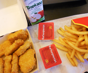 chicken nuggets and McDonalds image