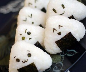 food, kawaii, and onigiri image