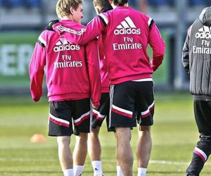 bale, odegaard, and real madryt image