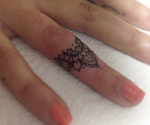 finger, mandala, and small image