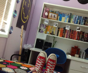 bedroom, grunge, and converse image