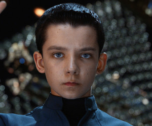 ender's game and asa butterfield image
