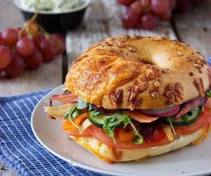 bagel and sandwich image