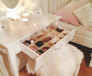 bedroom, makeup, and fashion image